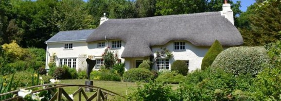 UK Family Friendly Holiday Cottages Guide 2014